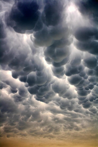 mammatus clouds what are they how do the form weather (1)