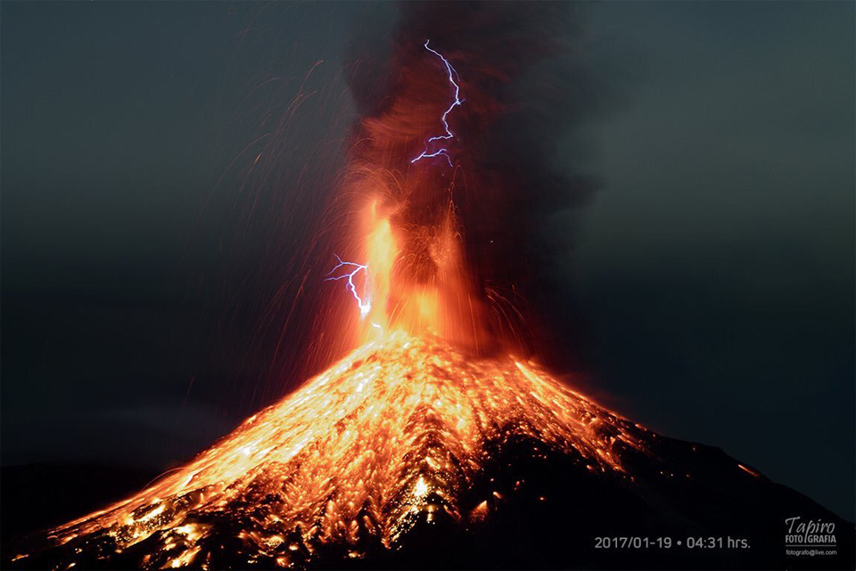 the colima volcano mexico eruption