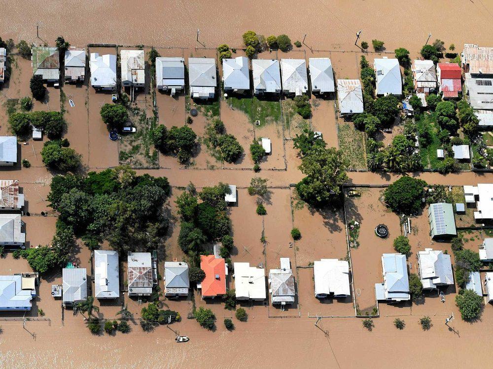 cyclone debbie flooding