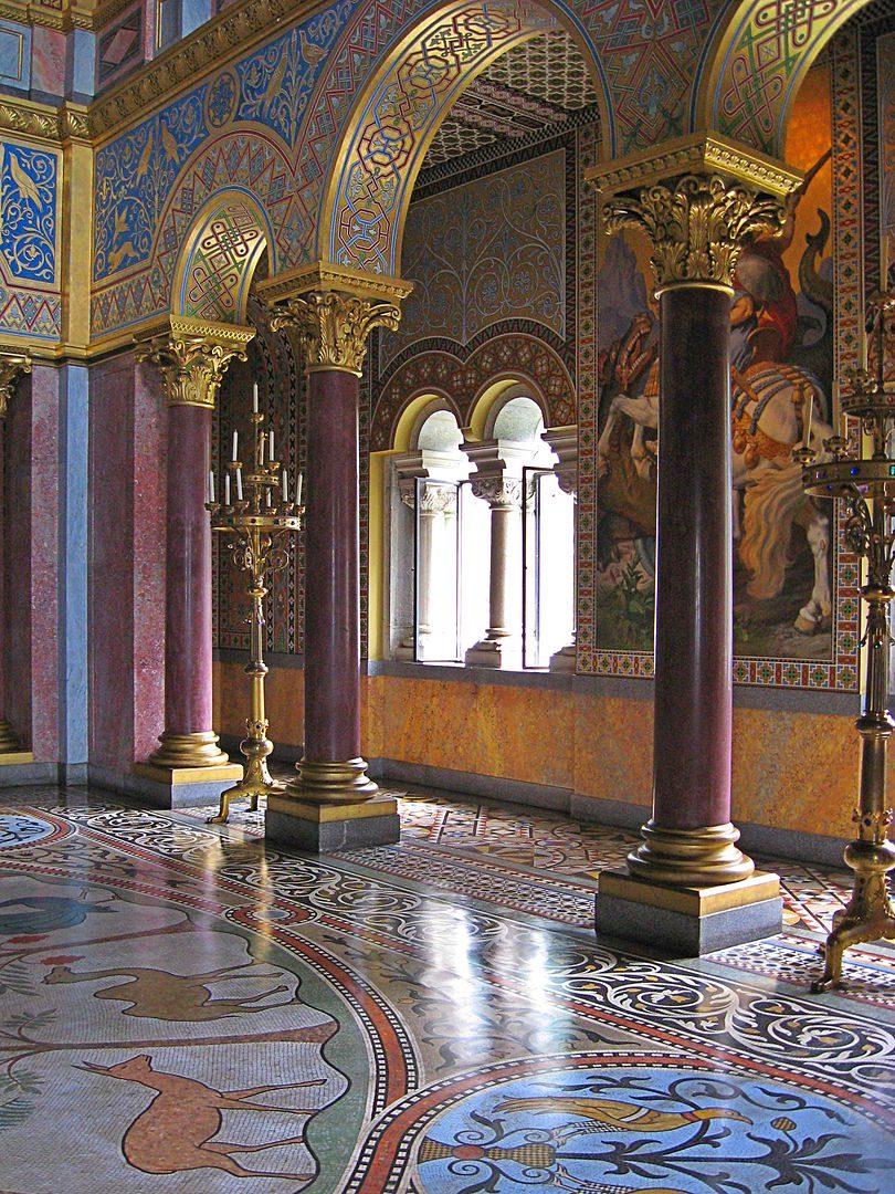 Neuschwanstein throne hall detail
